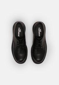 Koi Footwear - VEGAN VENT CLASSIC  - Snøresko - black - 4