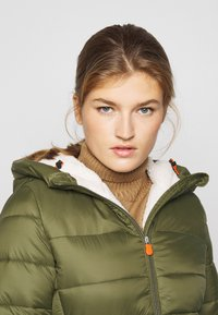 Save the duck - GIGAY - Winter coat - dusty olive - 3