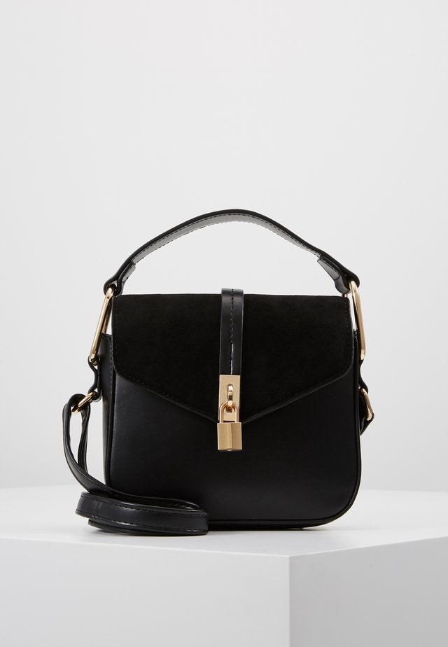 JULIANNE PADLOCK CROSS BODY - Sac à main - black