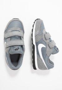 Nike Sportswear - MD RUNNER 2 BPV - Trainers - light grey - 0