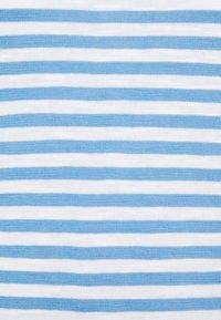 Marc O'Polo - Print T-shirt - blue - 2