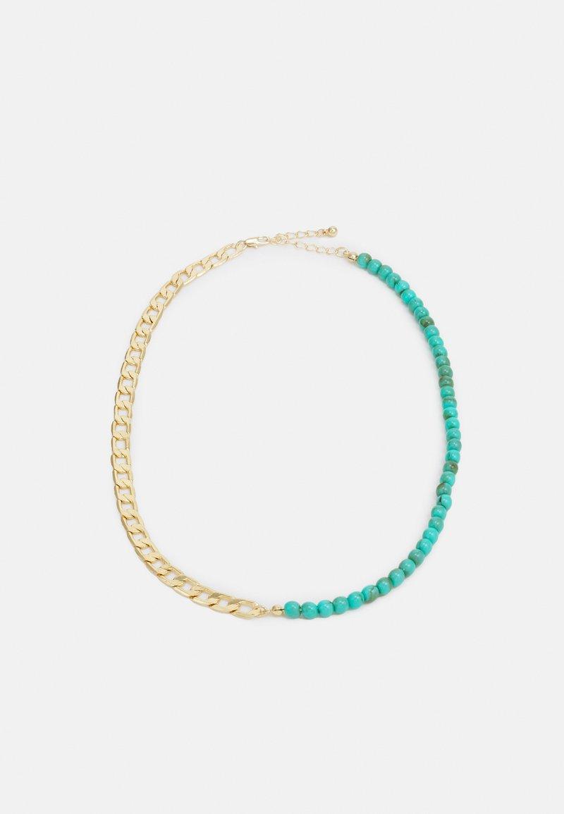 Pieces - PCINNA NECKLACE - Necklace - gold-colour/edgreen