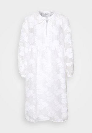 MYNTHE DRESS - Day dress - bright white