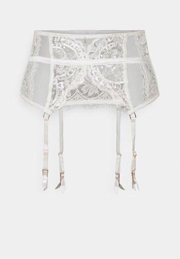 FIERCELY BRIDAL WASPIE - Strømpeholdere - white/nude