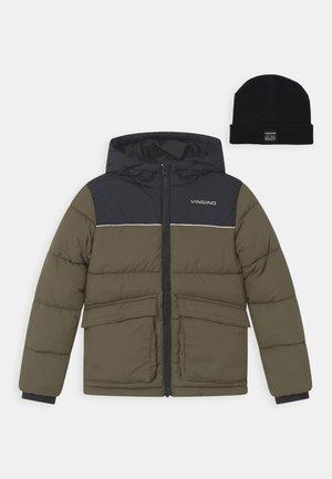 TAMOSI SET - Winter jacket - olive night/deep black