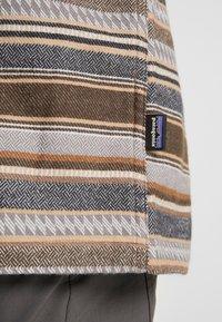 Patagonia - FJORD - Shirt - bristle brown - 6
