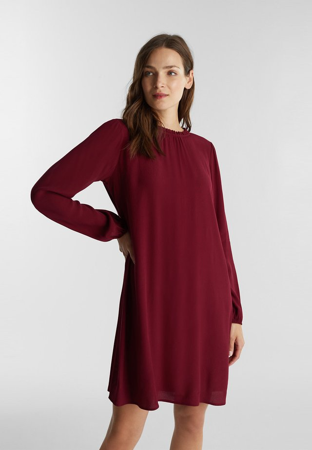 Day dress - bordeaux red
