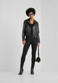WEEKEND MaxMara - UNICUM - Leather jacket - schwarz - 1