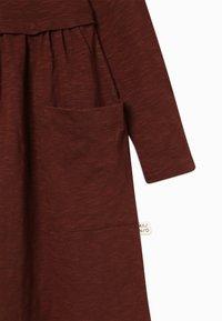 Mainio - BUTTON DRESS SLUB - Jersey dress - hot chocolate - 3