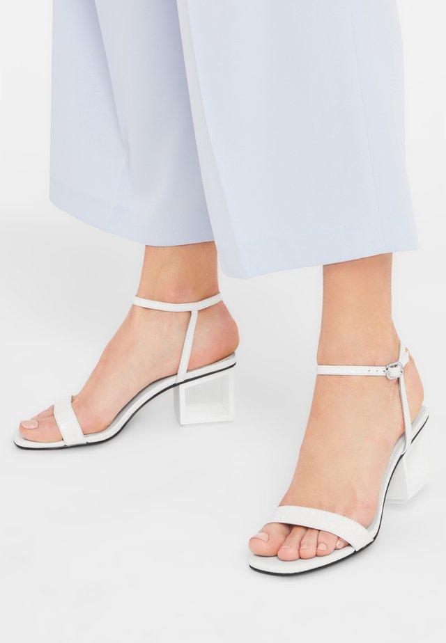 CARDI - Ankle cuff sandals - off white
