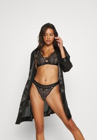 Marks & Spencer London - AUTO HAPEX - Soutien-gorge à armatures - black - 1