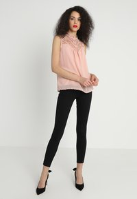 Gina Tricot - HIGHWAIST  - Jeans Skinny Fit - black - 1