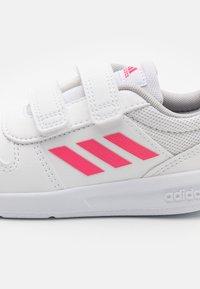 adidas Performance - TENSAUR UNISEX - Træningssko - footwear white/real pink - 5