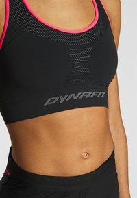 Dynafit - SPEED BRA - Light support sports bra - black out - 3