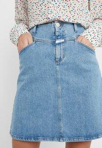 CLOSED - IBBIE - A-line skirt - mid blue - 5