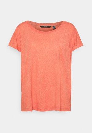VMLUA TEE - Camiseta estampada - spiced coral