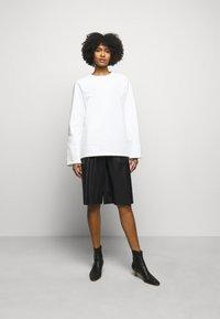 MM6 Maison Margiela - Shorts - black - 1