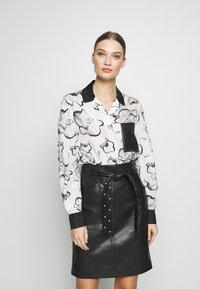 KARL LAGERFELD - ORCHID PRINT BLOUSE - Camisa - black - 0