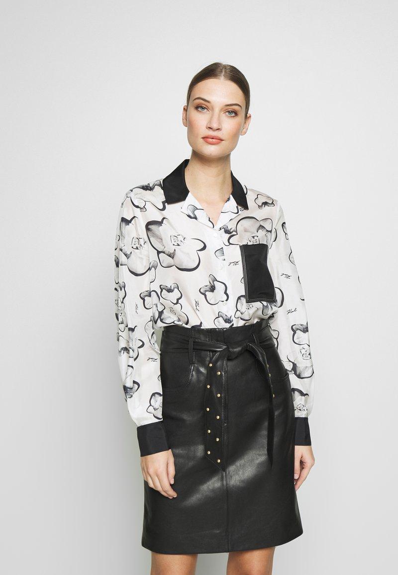 KARL LAGERFELD - ORCHID PRINT BLOUSE - Camisa - black