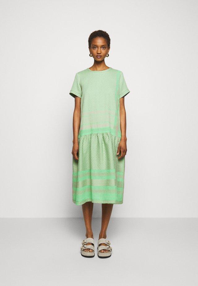 JOSEFINE - Sukienka letnia - minty