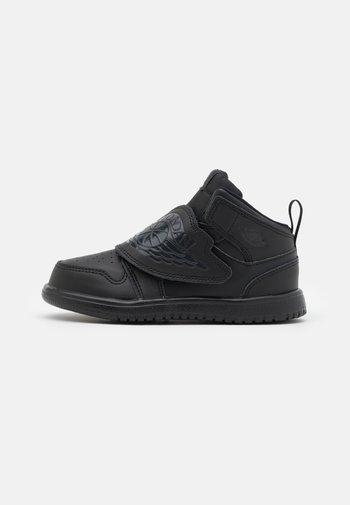 SKY 1 UNISEX - Basketbalschoenen - black