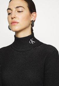 Calvin Klein Jeans - Svetr - black/bright white - 5