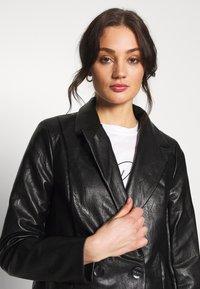 Missguided - Short coat - black - 3