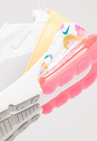 Nike Sportswear - AIR MAX 270 - Tenisky - white/summit white/metallic silver/laser orange/hyper pink - 2