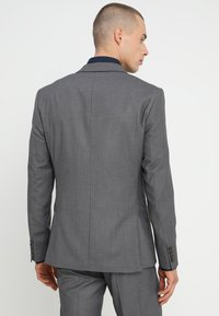 Isaac Dewhirst - FASHION SUIT - Kostuum - mid grey - 3