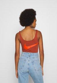 Nike Sportswear - Top - firewood orange/total orange - 2
