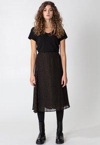 Indiska - ROS LUREX - A-line skirt - black - 6
