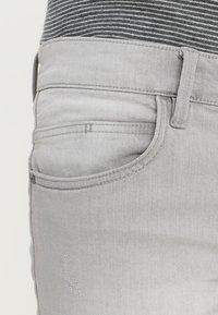 INDICODE JEANS - KADEN - Jeansshorts - light grey - 5