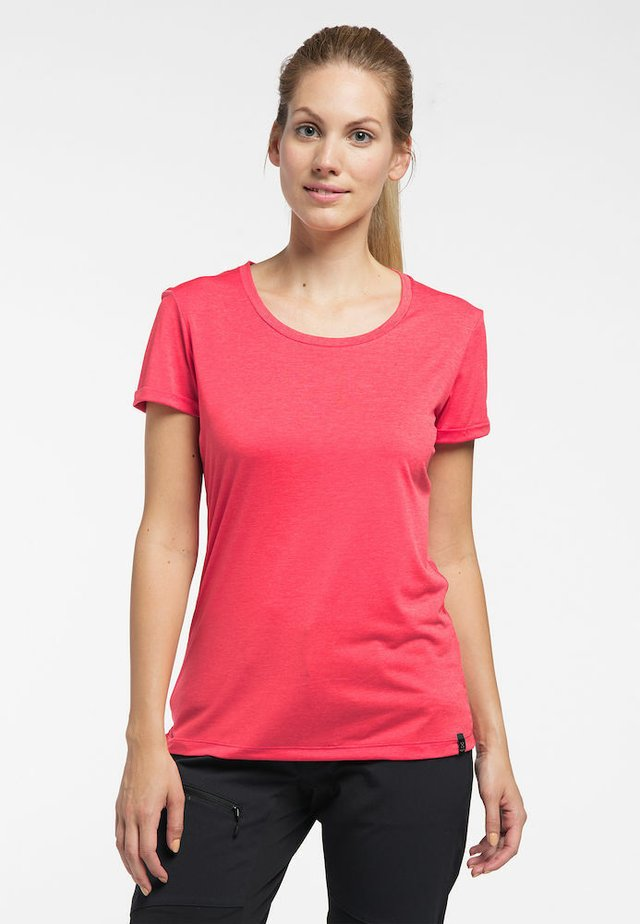 RIDGE HIKE TEE - Basic T-shirt - hibiscus red