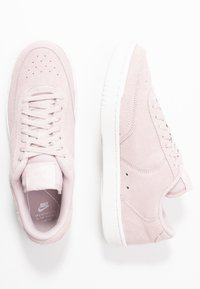 Nike Sportswear - COURT VINTAGE - Joggesko - barely rose/summit white