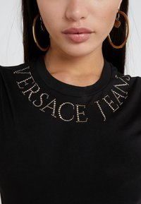 Versace Jeans Couture - T-shirts med print - nero - 5