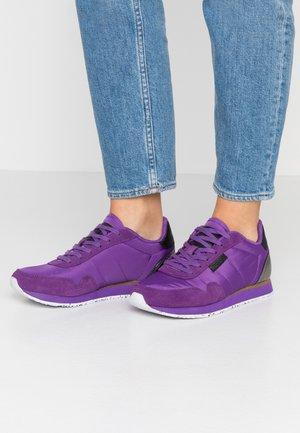 Nora II  - Trainers - purple