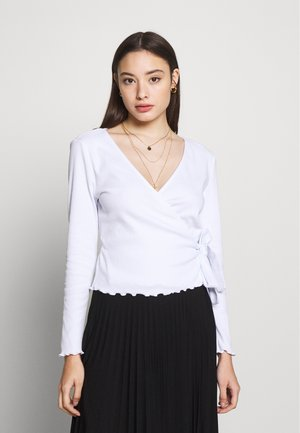 PCNADI WRAP TOP PETITE - Langærmede T-shirts - bright white