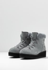 UGG - BIRCH LACE-UP - Winter boots - geyser - 4