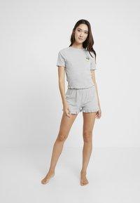 Topshop - BITTER SWEET SET - Pyjama - grey - 1