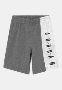 Jordan - BIG VERT SET - Camiseta estampada - carbon heather - 2