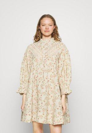 SHIFT DRESS - Day dress - hazel