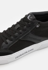 Calvin Klein Jeans - SKATE MID LACEUP MIX - High-top trainers - black - 5