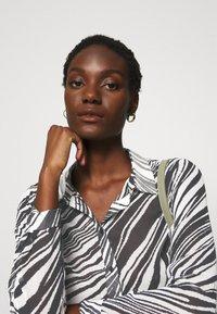 Guess - CLOUIS  - Button-down blouse - white - 3