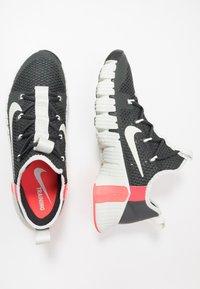 Nike Performance - FREE METCON 3 - Sports shoes - dark smoke grey/spruce aura/laser crimson - 1