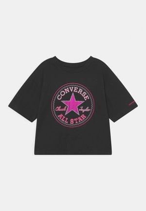 STAR FLIP SEQUIN BOXY TEE - T-shirt z nadrukiem - black