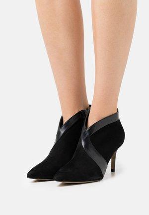 VIGGO - High heeled ankle boots - noir