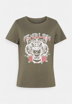 NMNATE HAZEL - Print T-shirt - kalamata/tiger