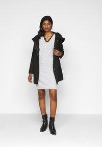 Vero Moda Petite - VMVERODONA JACKET - Classic coat - black - 1