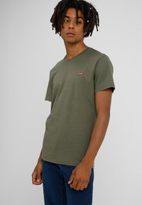Levi's® - ORIGINAL - T-shirt basic - cotton patch olive night - 0