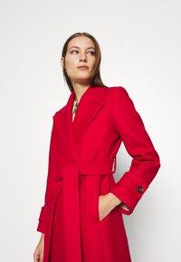 IVY & OAK - BELTED COAT - Classic coat - allure red - 3